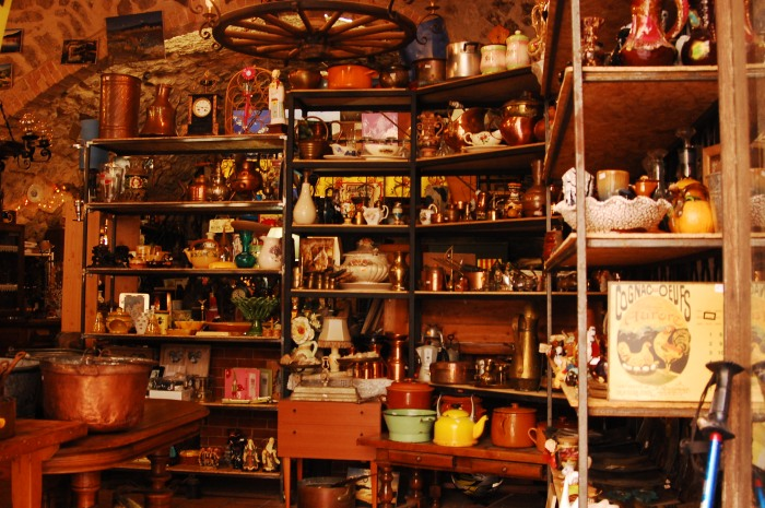 Antique store in Sisteron